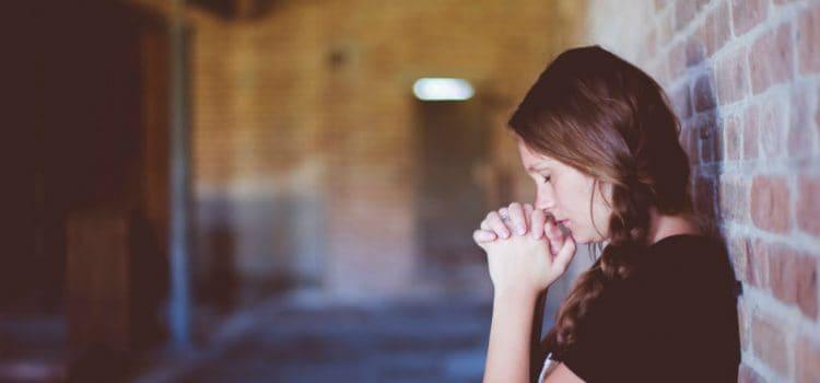 Joke – praying girl!